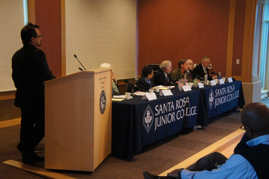 Student+Trustee+Robert+Edmonds+and+police+oversight+experts+give+ideas+for+a+Sonoma+County+police+oversight+board.