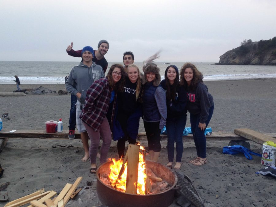 Sonoma+Hillel+members+frequently+gather+for+group+events+over+the+semester%2C+including+this+Muir+Beach+bonfire.