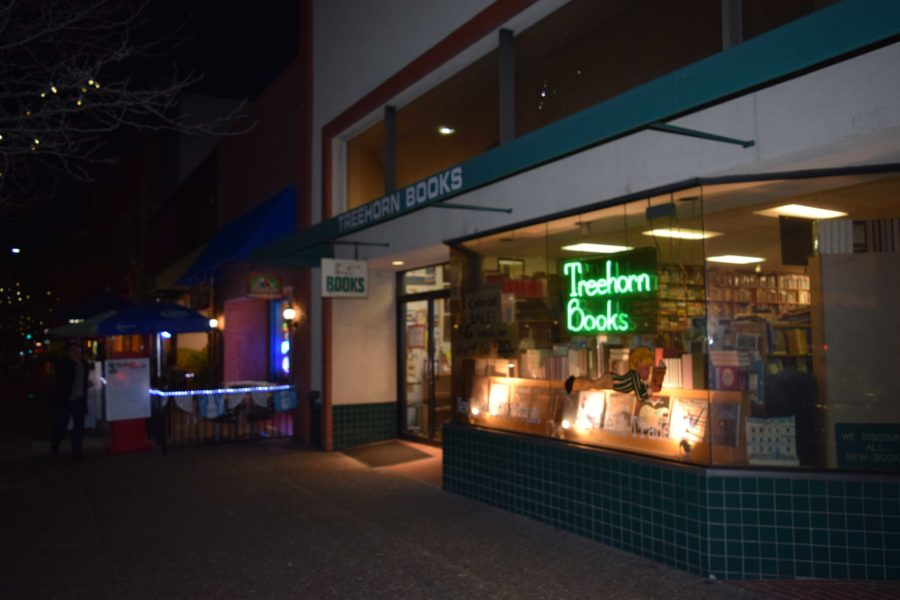 Treehorn+Books%2C+located+in+downtown+Santa+Rosa%2C+smells+of+vintage+books+guaranteed+to+warm+the+heart+of+any+bookworm.
