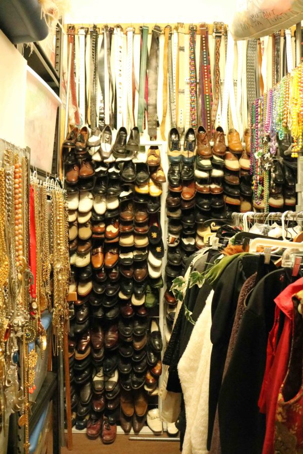 Plunge+into+Hot+Couture%2C+on+Wilson+and+Third+Street+for+vintage+clothing+along+with+extensive+service+for+costume+rentals.