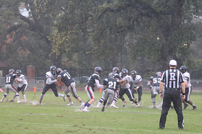 SRJC+quarterback+Mitch+Hood+hands-off+to+running+back+JaNarrick+James.+James+had+10+carries+for+92+yards+against+Contra+Costa+on+Oct.+15.