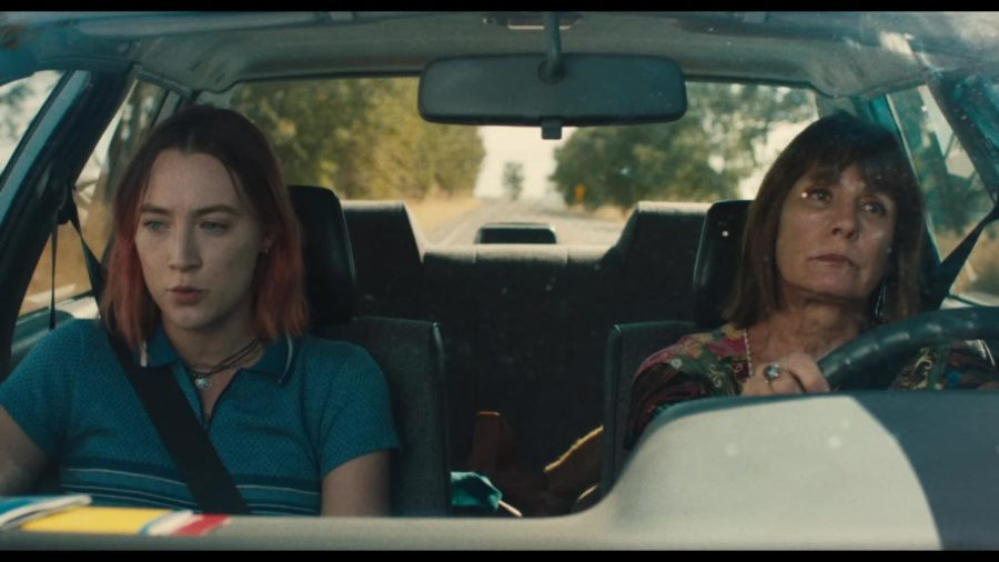 Saorise Ronan (left) & Laurie Metcalf (right) make for a dysfunctional mother-daughter duo.