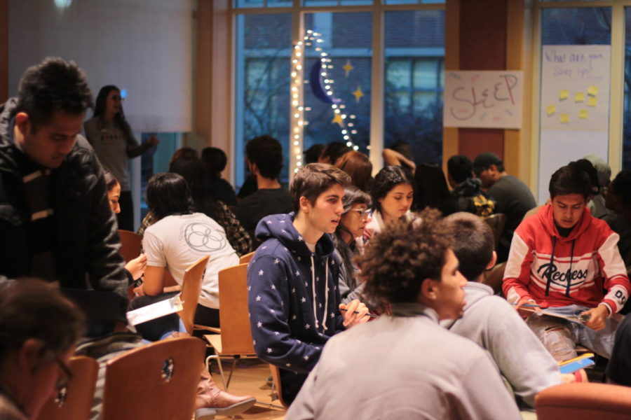 Students+at+the+Winter+Wellness+Fair+participate+in+activities+to+improve+their+success.