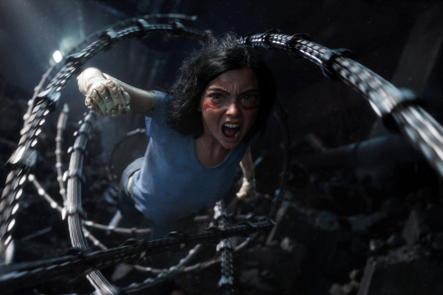 Alita (Rosie Salazar) diving into action in