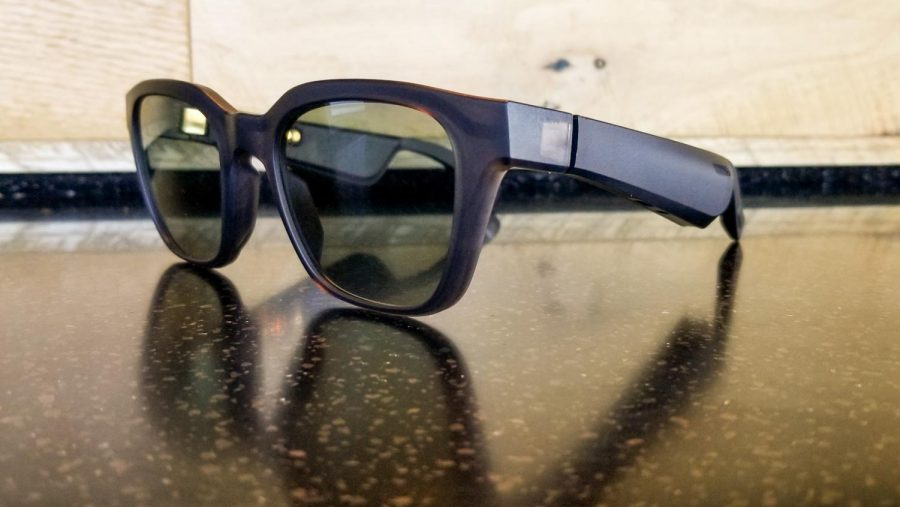 Though unsuspecting, Bose Frames come with two directional speakers on both the left and right arms of the sunglasses.