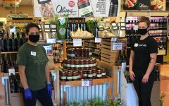 Navigation to Story: Maskholes: Working in grocery stores during coronavirus